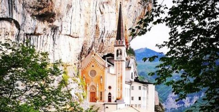 Santuario della Madonna della Corona e Lazise