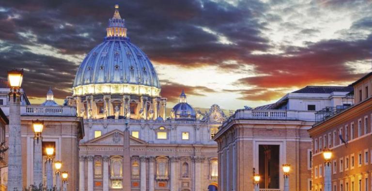Natale a Roma con la Messa di mezzanotte in piazza San Pietro