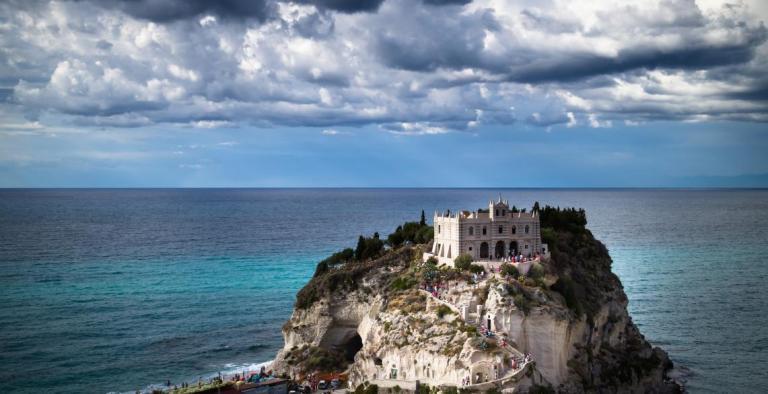 Tropea e Calabria. In viaggio con Orietta Nicolini