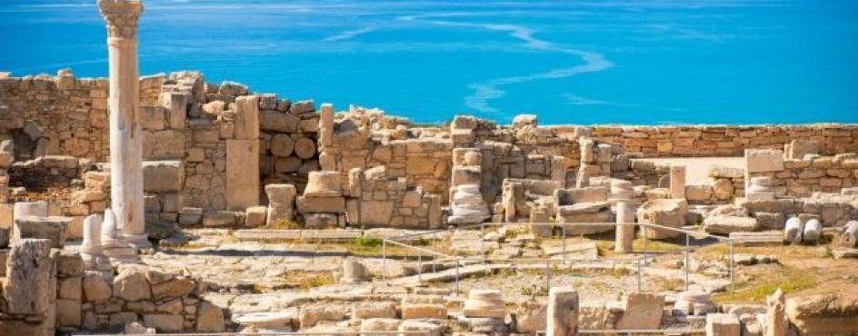 Cipro: Isola di Santi, oltre le frontiere