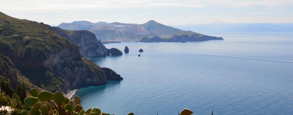 Sicilia Orientale e Arcipelago delle Eolie